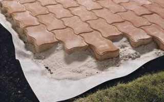 Для чего нужен геотекстиль при укладке плитки