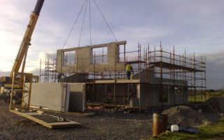 Частный дом из бетонных плит