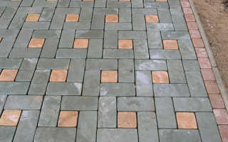Чем очистить тротуарную плитку