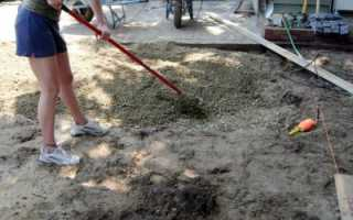После укладки тротуарной плитки пролить водой